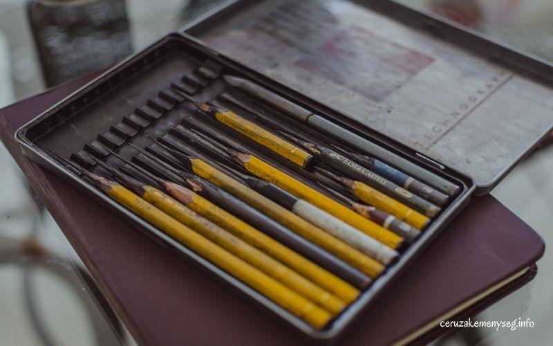 Különböző ceruzák keménysége